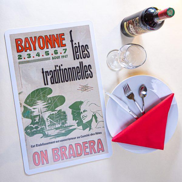 1947 Set de table fêtes de Bayonne